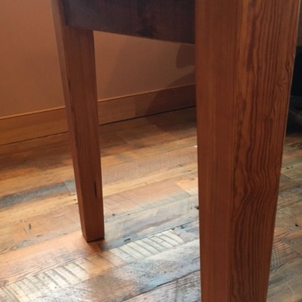table-tapered-legs